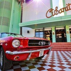 Building-red-car-hotel-concept-cubanito-ibiza