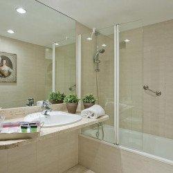 bathroom-eltoro-hotel