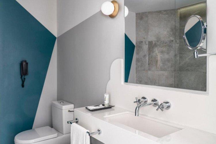 bathroom-room-capitol-vincci-hotel-madrid.