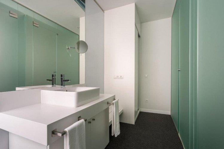 bathroom-roommate-oscar-madrid