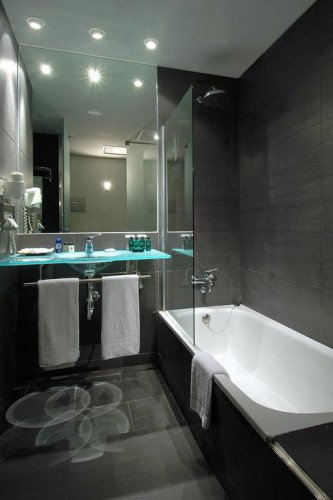 bathroom-vincci-maritimo-barcelona