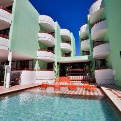 building-pool-concept-hotel-cubanito-ibiza