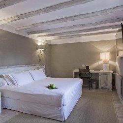 double-room-eltoro-hotel
