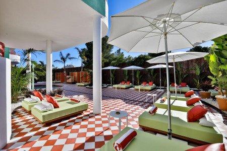 pool-solarium-hotel-concept-cubanito-ibiza
