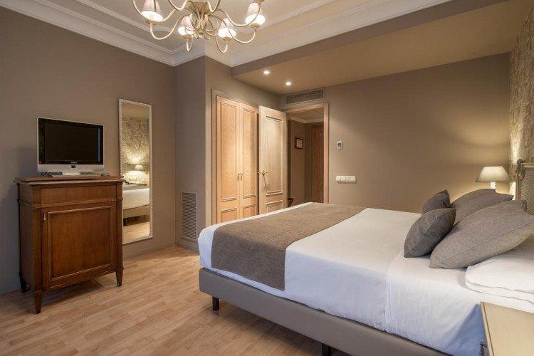 room-hotel-vincci-lys