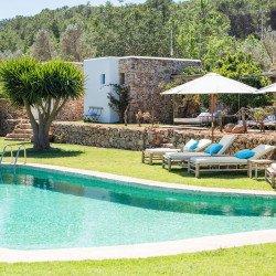 simming-pool-es-cucons-hotel-ibiza