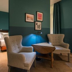 Junior-suite-livingroom-hotel-vincci-the-mint-madrid