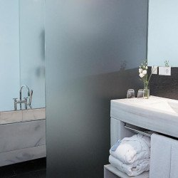 bathroom-hospes-patos-granada-hotel
