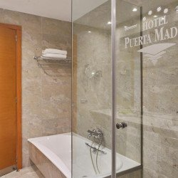 bathroom-suite-hotel-puerta.madrid