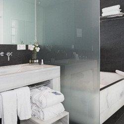 bathroom2-hospes-patos-granada-hotel.