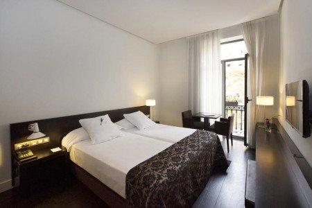 room-dreamers-hotel-hospes-palau-de-la-mar-valencia