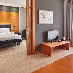 suite-living-room-hotel-silken-madrid