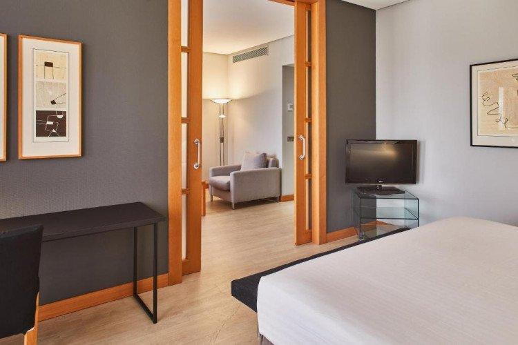 suite-salon-hotel-puerta-madrid