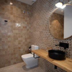bathroom-coliving-hotel-vejerdelafrontera