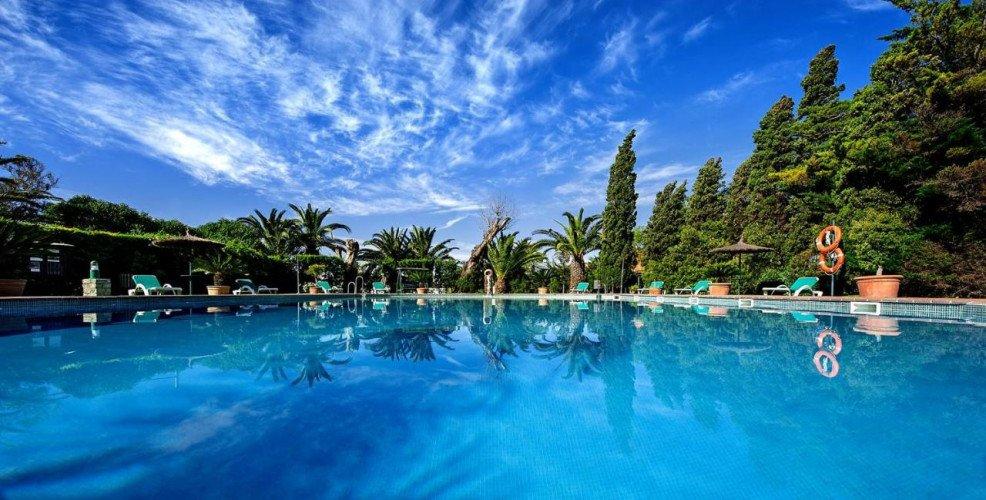 pool-hotel-coliving-punta-sur-tarifa