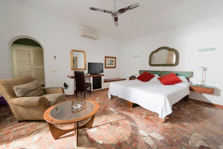 room2-hotel-coliving-punta-sur-tarifa